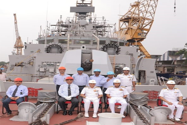 Chief of Naval Staff Visits GRSE