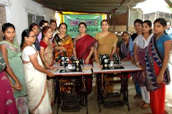 Jhankae Mahila Mandal of WCL donated Sewing Machines