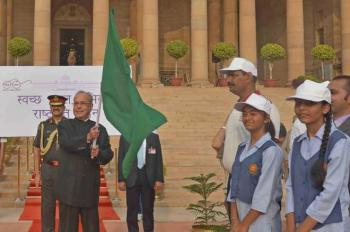 President of India flags-off march for Swachh Bharat Abhiyan at Rashtrapati Bhavan