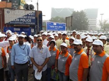 Northern Regional Office of M-O Tourism Organizes A Successful Swatch Bharat Drive at New Delhi Railway Station