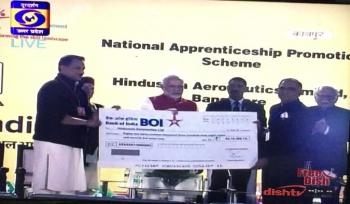 PM Presents NAPS Cheque to HAL
