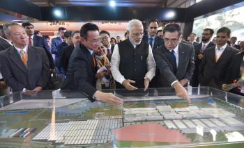 Modi visiting the Global Trade Show