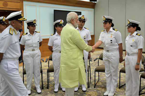 PM meets crew of Navika Sagar Parikrama
