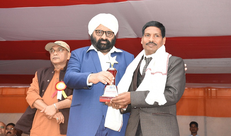 Brave Heart Award to MCLs Contract Employee at MCL HQ