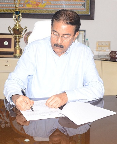 Shri Rajiv Ranjan Mishra Takes Additional Charge as CMD of MCL