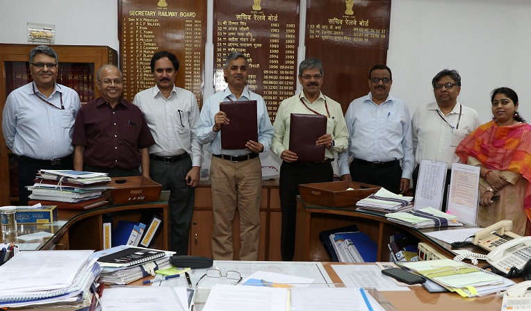 DFCCIL Signs an MoU with Ministry of Railways