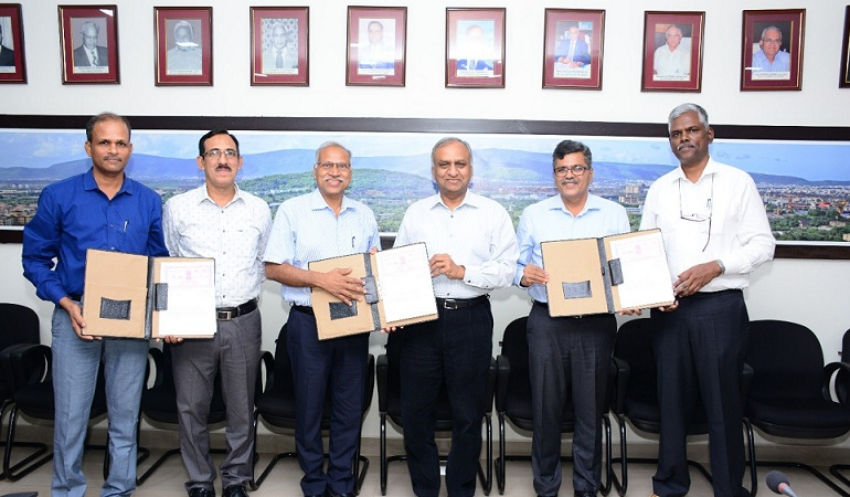 HSL BHEL and MIDHANI Sign MoU to Build  Submarines