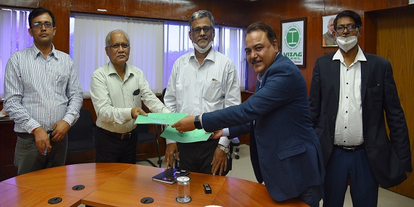 RINL signed MoU withBridge and Roof
