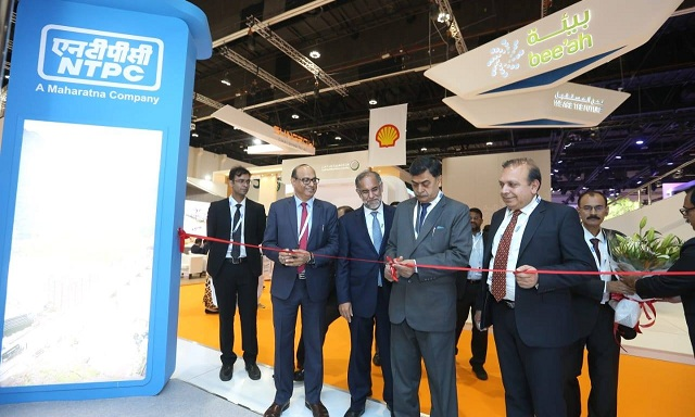 Power Minister Inaugurated NTPC stall at World Future Energy Summit