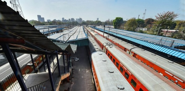 Govt can launch reverse auction process to supply rails for railway projects: JSPL MD