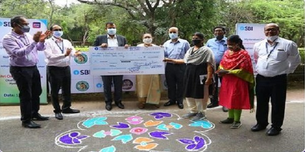SBI adopted 15 tigers and handed over Rs 15 lakh cheque to CGM Hyderabad