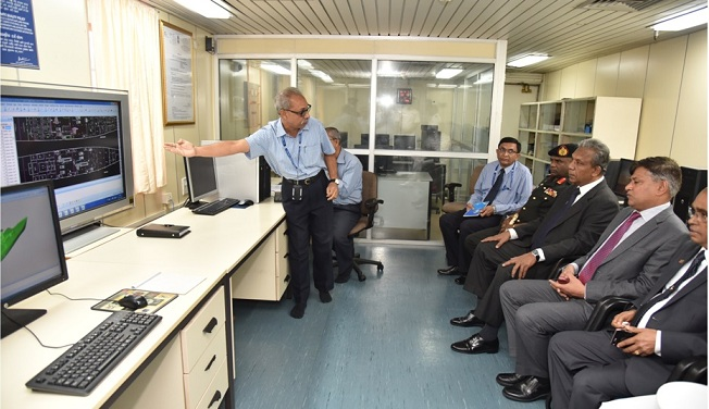 Srilankan Def. Secretary Reviews Construction of OPV