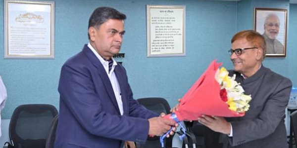 Power Minister administered oath of Office and Secrecy to Shri Pravas Kumar Singh as Member CERC