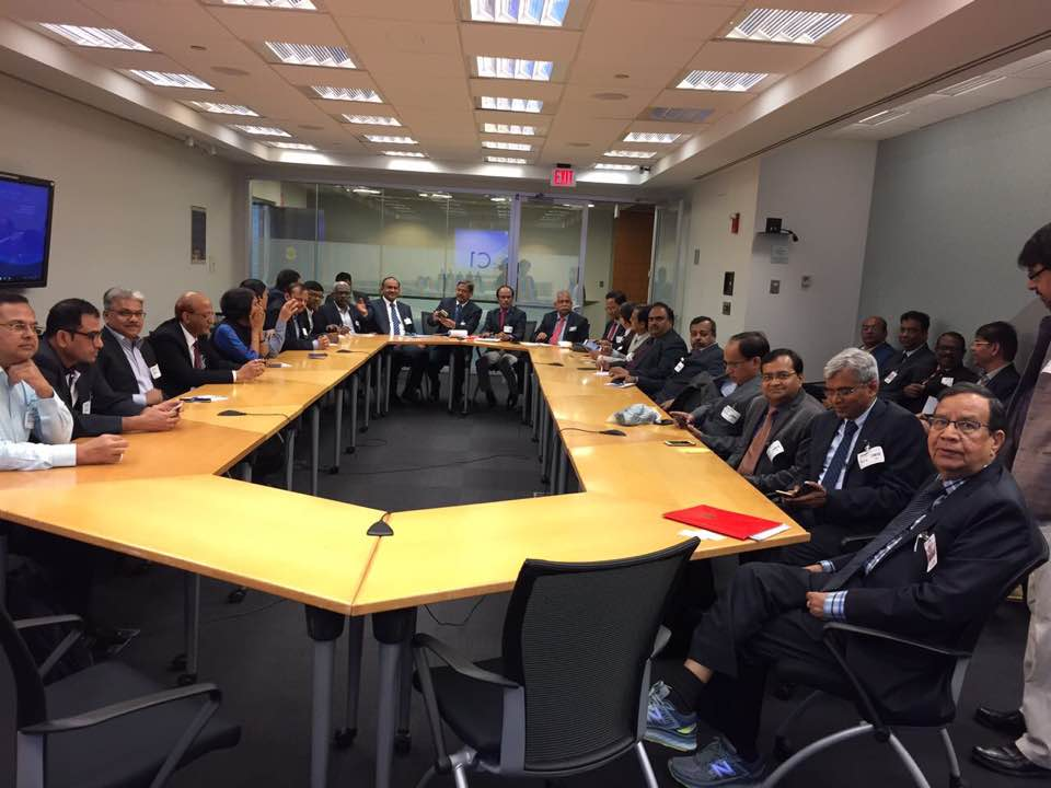 Round table discussion of visiting PSU team with world Bank