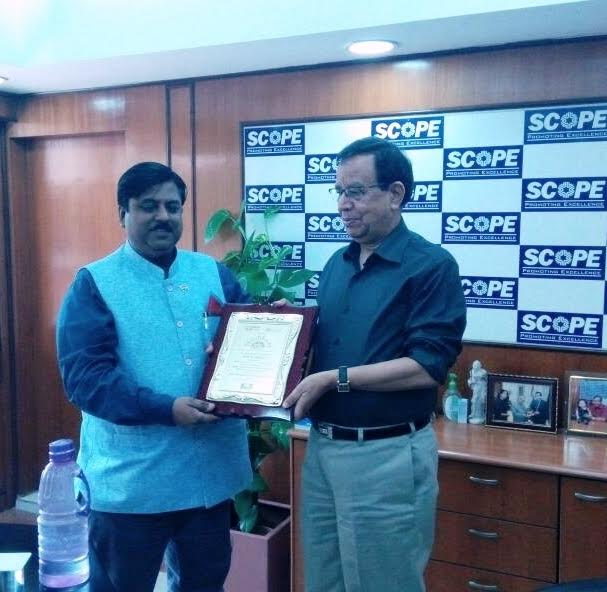 Indian PSU Award 2017 presented to DG  SCOPE Dr. U.D. Choubey