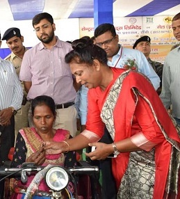 CIL Distributed Aids and Appliance to Divyangs