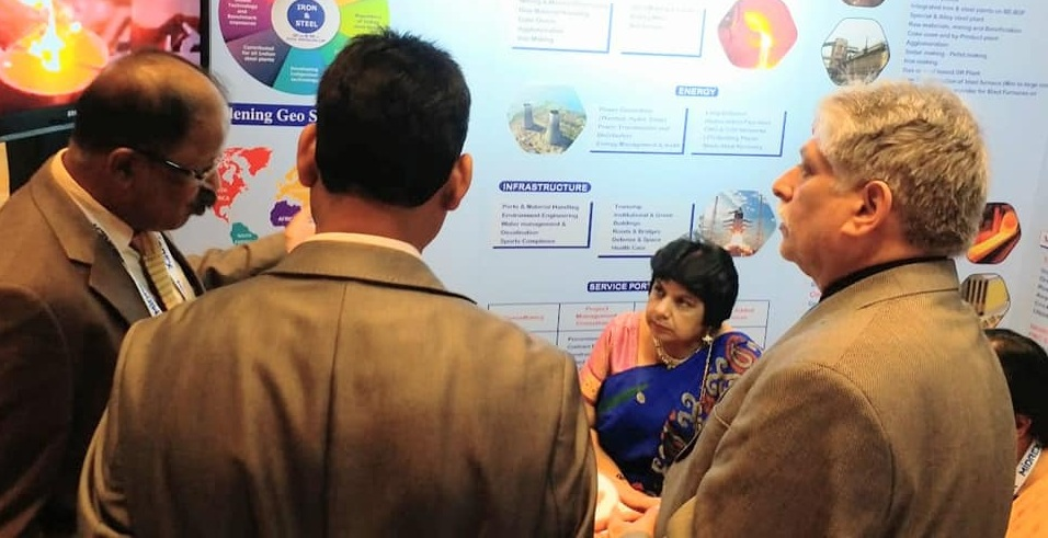 Smt Nilu Rohra consulate of India in Dubai visited MECON stall