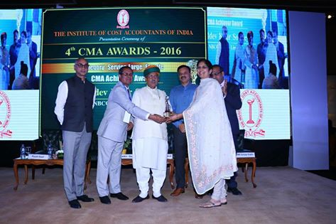 CMA Achiever Award to Smt. B. K. Sokhey, ED of Finance NBCC