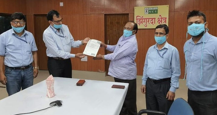Shri S P Singh NCL signs MoU with Chief Medical Health Officer