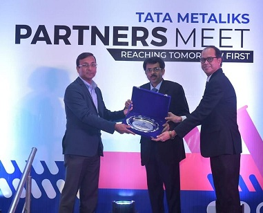 Tata Metaliks honours IndianOil with Best Service Provider Award