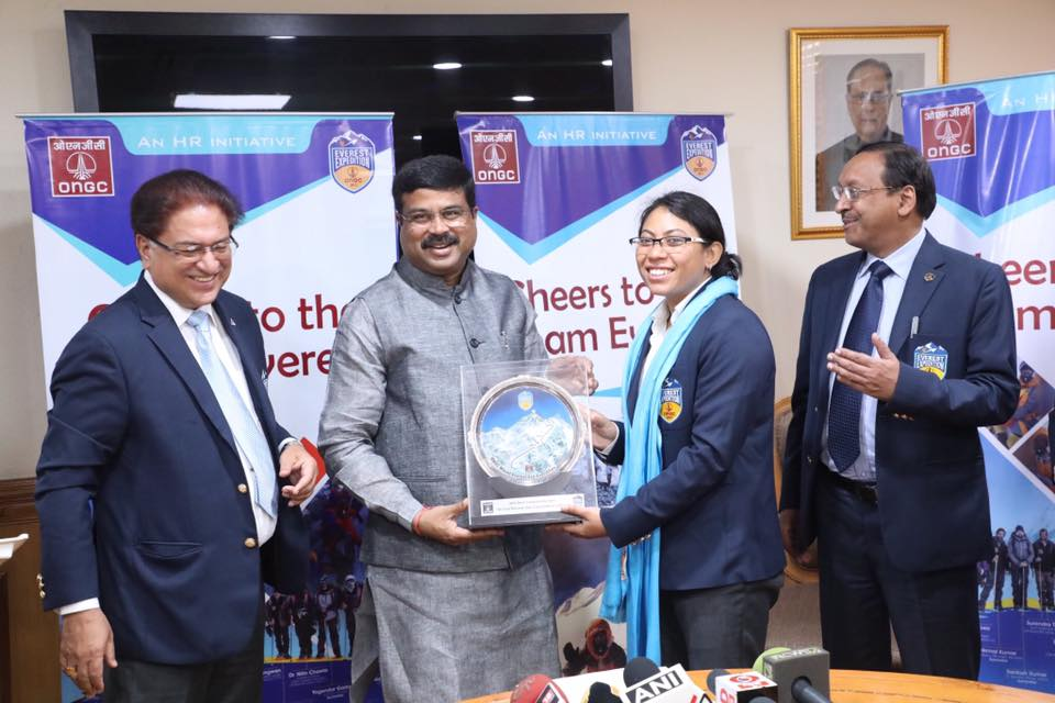 Shri Dharmendra Pradhan Felicitated the Members of ONGC Everest Expedition