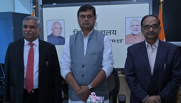 Power minister launched Gram Ujala scheme in Varanasi