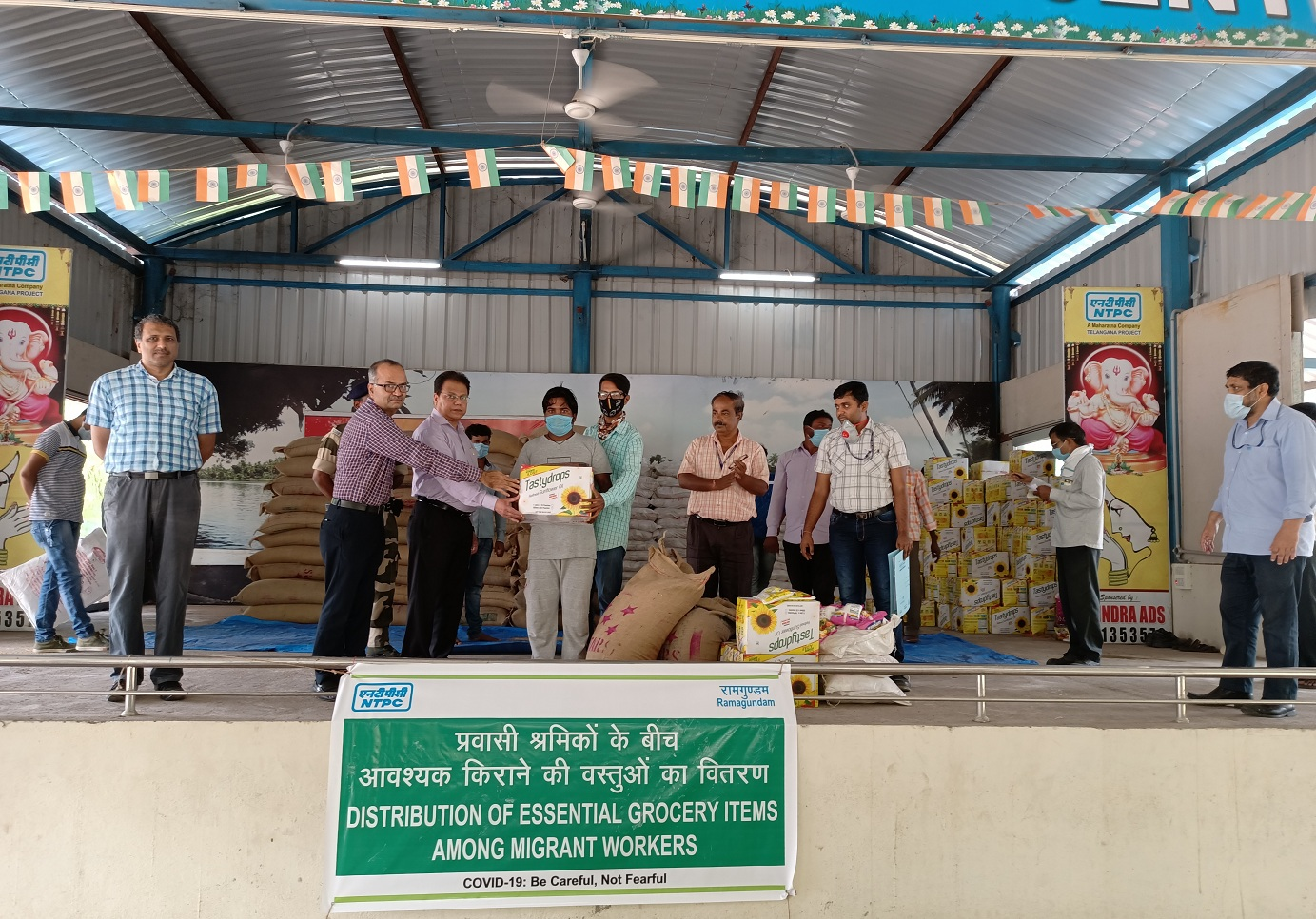 NTPC-Ramagundam distributes essential grocery items among 4500 migrant workers