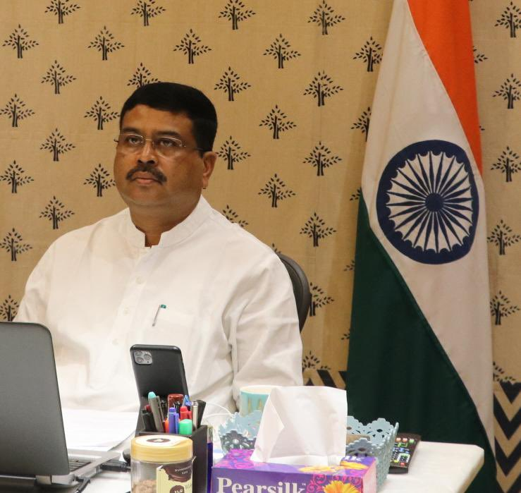 Shri Dharmendra Pradhan participated in a webinar on enhancing steel usage in the country