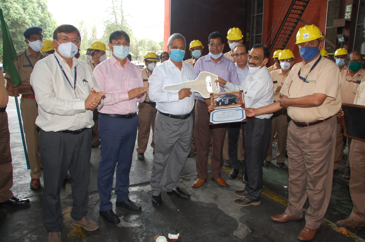 BH205E_Mining_truck_by_BEML_handed_over_to_Coal_India_Limited1.jpg