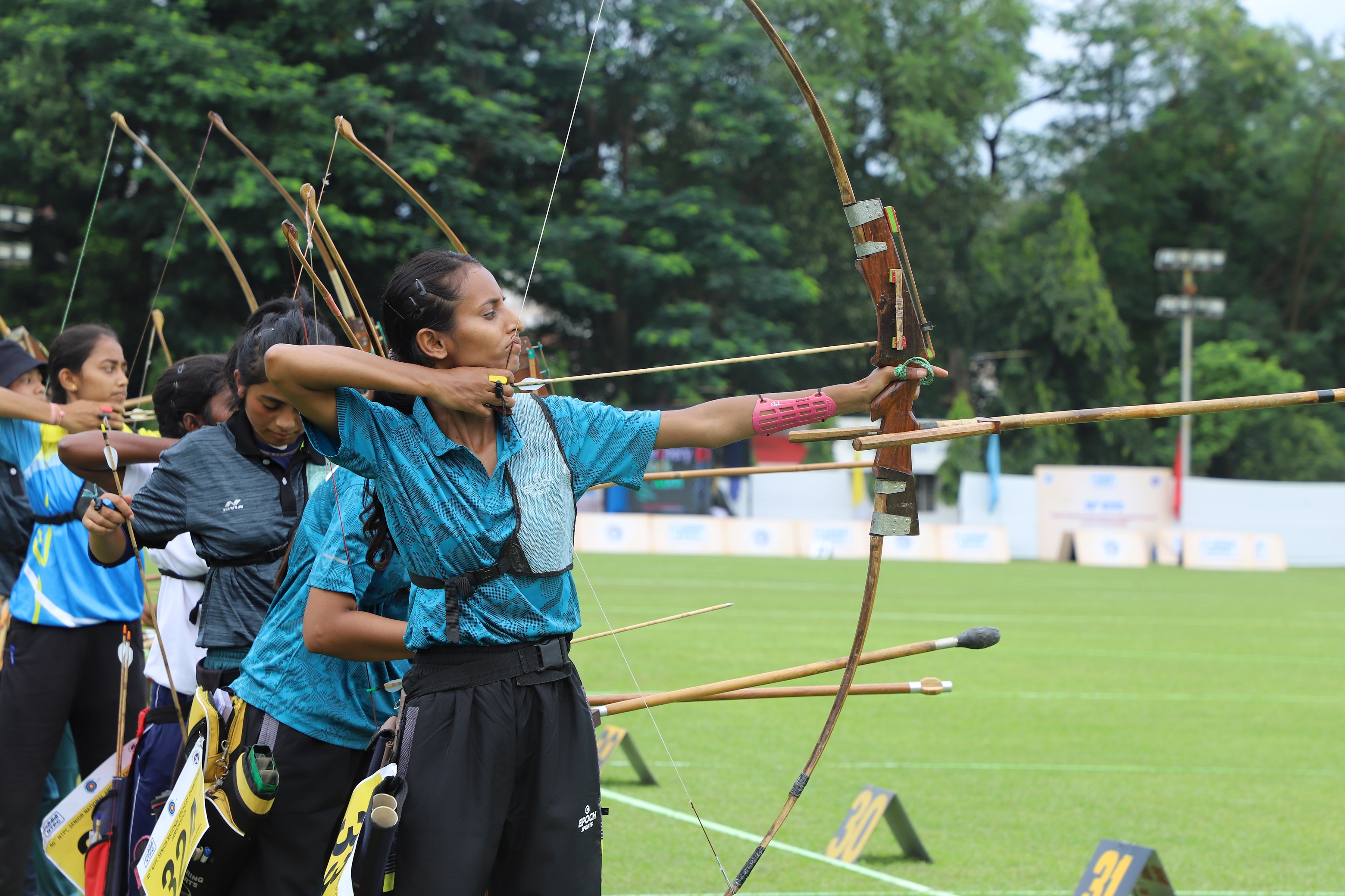 Players_in_action_during_archery_championship_2.JPG